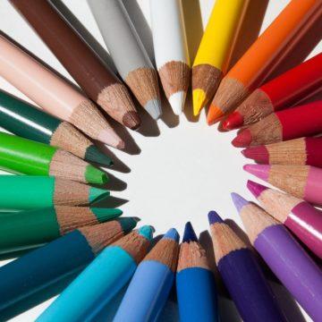 באיזה צבע תעצב את המותג הדיגיטלי שלך?